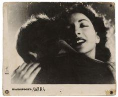 Raj Kapoor and Nargis: A love sublime Photo Vintage, Vintage Photos, Cinema Theatre, Lord Shiva, Mona Lisa, Actresses, Film, Artwork, Beauty