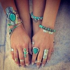 How to Chic: STONE RINGS AND BRACELETS