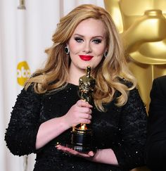 Grammy award winning and now Oscar winner Adele looks astonishing at the 2013 Oscars with her long blond and beautiful feathered hairdo. Description from hairstylesdesign.com. I searched for this on bing.com/images