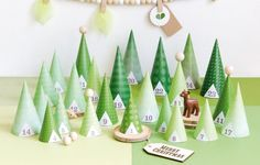 It's time to get in the Christmas mood! How about starting with these 10 amazing advent calendars? Holiday Mood, Christmas Mood, Xmas, Advent Calenders, Christmas Gift Wrapping, Christmas Centerpieces, Christmas Inspiration, Christmas Projects, Diy For Kids
