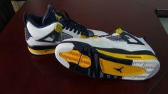 Authebtic Nike Air Jordan 4 Marquette Oregon 3 Item No. :177617 Sales Price:US$290.00 http://unboxbuy.ru/Authentic-Air-Jordan-IV-Marquette-Oregon-3-014-p177617.html