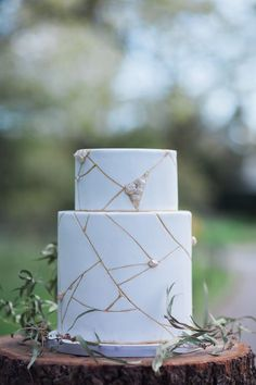 Wabi-sabi Wedding Inspiration | Siobhan H | Always Andri | Bridal Musings Wedding Blog