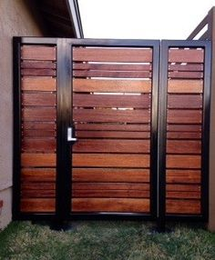 Image Of Modern Horizontal Fence Gate Garden Outside Ideas regarding proportions 900 X 1091 Horizontal Fence Gate Design - A simple staircase produced by Patio Fence, Front Yard Fence, Backyard Fences, Fenced In Yard, Yard Fencing, Fence Landscaping, Bamboo Fence, Fence Garden, Cerca Horizontal