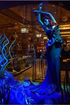 """Harrods presenta: Le fiabe Disney. Una incantevole Ariel da """"La sirenetta"""". (Marchesa)"""