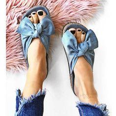 Παντόφλα Star με φιόγκο μπλε Icons, Sandals, Stars, Fashion, Illustrations, Moda, Shoes Sandals, La Mode, Fasion