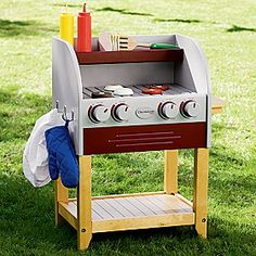 Cookout toys - play pretend grills and barbecue toy food