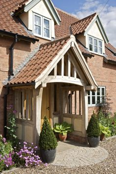 64 Ideas for front door porch extension border oak Porches, Cottage Porch, Cottage Style, House With Porch, House Front, Building A Porch, Building A House, Porch Extension, Extension Ideas