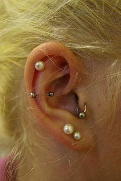 Helix, Anti-Helix,Tragus und zwei Lobe Piercing