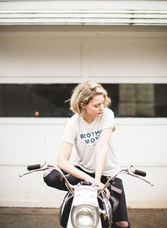 The Classic Tee - Oatmeal - Motorcycle lifestyle goods Brother Moto - 1