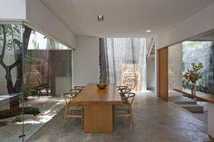 Casa de ciudad con patios interiores