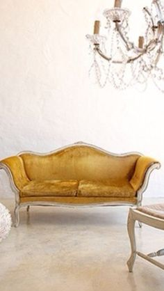 Love this classic gold lounge
