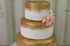 17 Wedding Cakes That Prove Glitter Is Always A Good Idea