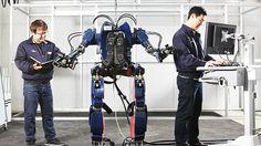 Hyundai's new wearable robot turns you into a mech pilot