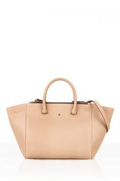 CH Carolina Herrera bags for Spring Carolina Herrera Purses, Ch Carolina Herrera, Fashion Books, Spring Summer 2016, Tote Bag, My Style, Women Bags, Fashion Designers, Lust
