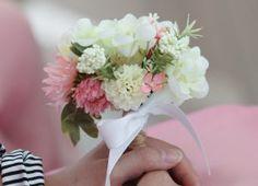 手作りの造花ミニブーケ - ブライズメイド&アッシャーと海外挙式ビーチフォト♡アイディア・写真の画像集