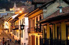 Arquitectura con historia 5 sitios de Colombia que debes conocer y visitar. Arquitectura.Historia. Estilo. Barroco. Colonial. Diseño. Bogotá. La Candelaria. Balcones. Colombia.