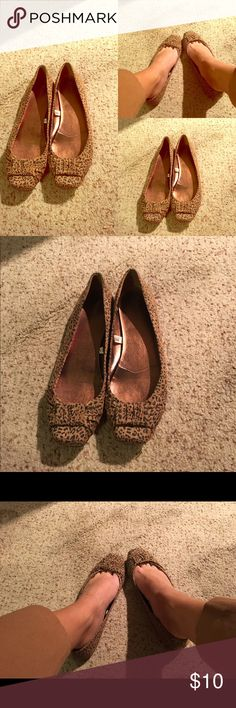 Leopard Print Flats.. Great for Fall!! $10 Leopard Print Flats.. Bow on the front to make it extra dressy! Size 9 $10 Shoes Flats & Loafers