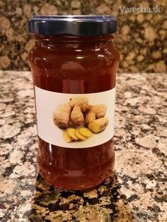 Nikde som nenašiel recept, ako vytiahnuť z ďumbiera to najlepšie do sirupu, tak som to  pred pár rokmi skúsil na spôsob, ako robievame púpavový med. A podarilo sa. Do  varenia aj do čaju mi ďumbier príde príliš aromatický, toto je ale úplne iná sila. Je  fantastický hlavne na prechodné obdobia, keď nádherne zahreje. A samozrejme je plný  vitamínov a minerálov. Dá sa piť len tak, alebo do čohokoľvek, čo znesie ostrú chuť...
