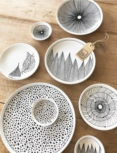 Latest Screen how to make Ceramics plates Strategies Keramik organische Platten Tinte – Gifts – Pottery Painting, Ceramic Painting, Ceramic Art, Ceramics Projects, Clay Projects, Diy Clay, Clay Crafts, Ceramic Plates, Ceramic Pottery