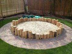 dit gaat de zandbak worden holzstamm this is going to be the sandbox # Sandboxes holzsta Kids Outdoor Play, Outdoor Play Spaces, Natural Playground, Backyard Playground, Kids Sandbox, Shade Canopy, Sand Pit, Outdoor Classroom, Garden Inspiration