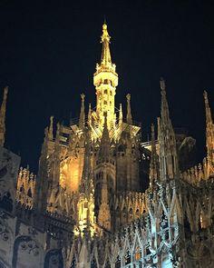 O mia bela Madunina che te brilet de luntan!!! #milano #ig_milano  #volgolombardia  #milanodinotte #duomodimilano #duomo #madonnina #vivomilano #LOVES_UNITED_MILANO #loves_milano #top_lombardia_photo #oro #italian_bestsunset #italia #lombardia #milanodavedere #milano_forever #fotoitaliane #igersmilano #milanocityufficiale by save0508
