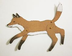 """Du benötigst zum Zusammenbauen des Fuchses 3 kleine Musterklammern, sogenannte """"mini brads"""" aus dem Bastelladen. Oder Du verwendest Nadel und Faden so"""