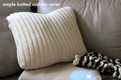 Tutorial - knit a simple cushion cover {free pattern} - The Veggie Mama