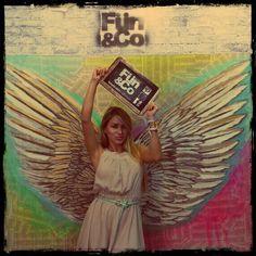 El ARTE QUE TE DESPEGA DE LA TIERRA.  Eres realmente FUN&Co. @claudiaangelarte  #colombiamoda #arte #historias #alado