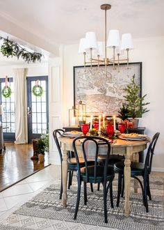 10 tips for mixing family heirlooms and antiques in with your new holiday decor & hot to create Swedish Christmas decorating style.  #christmas #swedish