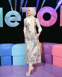Fashion Idol, Fashion 101, Fashion Wear, Fashion Outfits, Modern Hijab Fashion, Abaya Fashion, Muslim Fashion, Casual Hijab Outfit, Hijab Dress