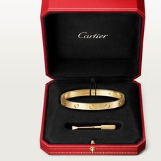 Cartier, Bracelets For Men, Jewelry Bracelets, Jewlery, Winter Basics, Passionate Romance, Touch Love, Valentines Day For Him, Scarf Rings