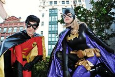 Characters: Robin & Batgirl (Stephanie Brown) / From: DC Comics 'Detective Comics' & 'Batgirl' / Cosplayers: Unknown