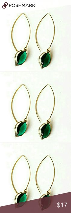 2? Host Pick Emerald Crystal Marquise Earrings Emerald green glass crystal marquise earrings. Gorgeous and super chic! Faceted emerald crystal class dangle from elegant marquise earwire.  Very lightweight and perfect for day to evening glam! 2.3 inches shopjewelry  Jewelry Earrings