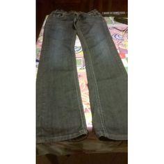 #moda #donna 1 #jeans blu scuro +  1 #pantalone giallo in cotone >>> http://www.merca-tiamo.it