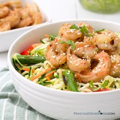 Fresh, healthy dinner in under 10 minutes with this garlic ginger shrimp zoodle…