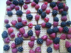 Svieže malinovo-tvarohové nepečené rezy (fotorecept) - recept | Varecha.sk Ale, Raspberry, Fruit, Food, Ale Beer, Essen, Meals, Raspberries, Yemek