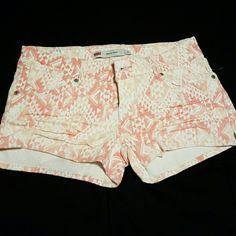 Levi's Shorts Levi's Shorts (Never Worn) Levi's Shorts Jean Shorts