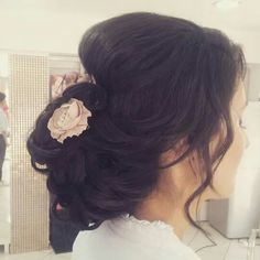 #bun #wedding Long Hair Styles, Wedding, Beauty, Valentines Day Weddings, Long Hair Hairdos, Hochzeit, Cosmetology, Long Hairstyles, Weddings