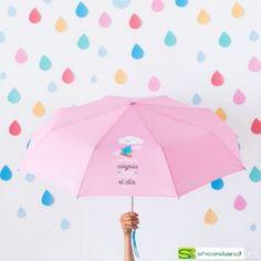 Queda prohibido salir a la calle sin una sonrisa! Porque no hay mejor terapia para un día gris y lluvioso que una sonrisa. Con este paraguas plegable tamaño mediano de Mr Wonderful la sonrisa está asegurada!! Ideal para llevar en el bolso o en la mochila!!
