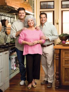 THE FIRST LADY OF SAVANNAH!   What a great interview with @Paula Deen in her Savannah home | May 2012 - http://greenglobaltravel.com/2012/05/30/interview-paula-deen-on-southern-cuisine/#