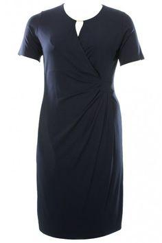 Meget smuk og klassisk blå kjole fra Godske :