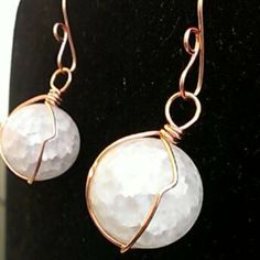 Frosted cracked glass round bead/ rose gols wire earrings