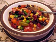 """WW Soup-This is an Easy Weight Watchers 6 PointsPlus+ recipe. I believe it is actually an old Weight Watchers """"Core"""" recipe. Skinny Recipes, Ww Recipes, Soup Recipes, Dinner Recipes, Cooking Recipes, Healthy Recipes, Healthy Meals, Batch Cooking, Deserts"""