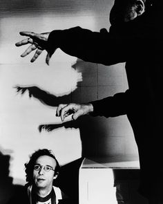 On the set of The Voice of the Moon (1990)): Roberto Benigni being manipulated by puppeteer Federico Fellini