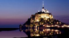 『フランスの #絶景ホテル』 http://www.euro-tour.co.jp/view-hotel/france.html… モン・サン・ミッシェルのホテル: 島を見渡せるホテル、夏季の修道院の夜間散策には島内のホテルが便利、島内からの眺望も絶景です♪ #zekkei_hotel