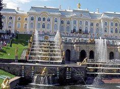 Poznávací zájezd Petrohrad - e-cesty.cz Louvre, Mansions, House Styles, Building, Travel, Home, Viajes, Manor Houses, Villas