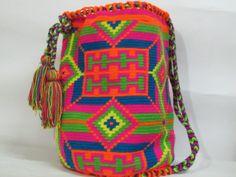 Wayuu Mochila backpack - www.missmochilabags.com