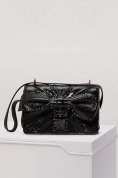 Valentino Gavarani Very V shoulder bag Valentino Clothing, Valentino Shoes, Valentino Rockstud, Lambskin Leather, Online Bags, Crossbody Bag, Vintage Fashion, Shoulder Bag, Purses