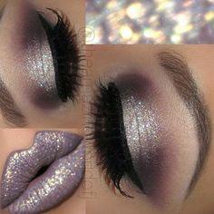 Eye Makeup Tips.Smokey Eye Makeup Tips - For a Catchy and Impressive Look Cute Makeup, Gorgeous Makeup, Pretty Makeup, Sparkly Makeup, Makeup Set, Makeup Goals, Makeup Inspo, Makeup Inspiration, Makeup Ideas