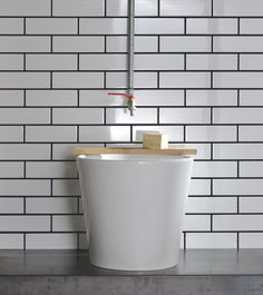 A glossy enameled lath reinterprets the aesthetic of traditional majolica walls found in urban and industrial spaces.Outdoor and indoor use, Glaze can only be used for wall. Bath Tiles, Surface Design, Glaze, Shabby Chic, Bathtub, Indoor, Canning, Studio Design, Bathroom Ideas